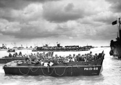 ww2 image landing craft